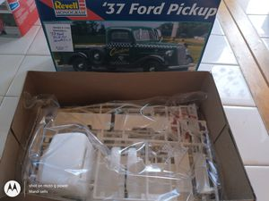 1937 ford pickup model new revell for Sale in Sycamore, IL