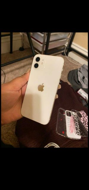 iPhone 12 neat and clean for Sale in Yuba City, CA
