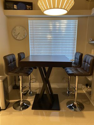 Kitchen Bar High Table Nook & Stools for Sale in Plantation, FL