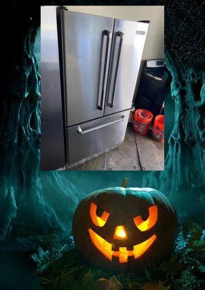 JENN-AIR STAINLESS COUNTER DEPTH FRENCH DOOR FRIDGE WATER & ICE INSIDE for Sale in Santa Ana, CA