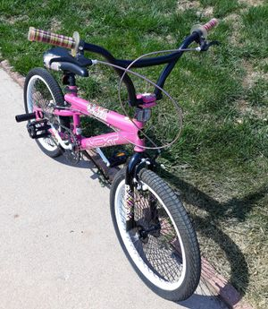 """20"""" NEXT Pretty in Pink bmx girl's bike for Sale in Lakewood, CO"""