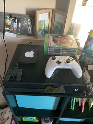 Xbox one 1.5 tb for Sale in Ambridge, PA