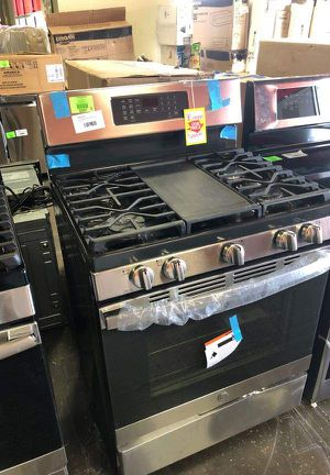 Brand New GE Gas Stove (Model:JGB735SPSS) TGT for Sale in Los Angeles, CA