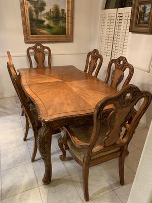 6-Chair Dining Room Set- with 2 Expandable Leafs for Sale in San Diego, CA