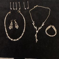 11 piece of jewelry set (Wedding jewelry) for Sale in North Andover,  MA