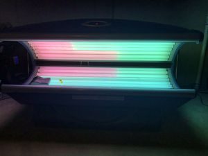 Tanning Bed Avalon 24 for Sale in St. Peters, MO