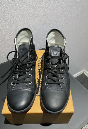 Pre-owned Authentic Louis Vuitton Men's Sneakers Black for Sale in New Orleans, LA