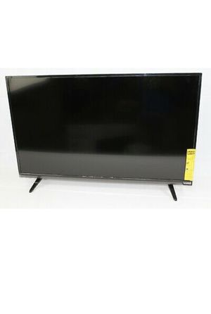 "Vizio 39"" TV with wall mount for Sale in Merrill, MI"