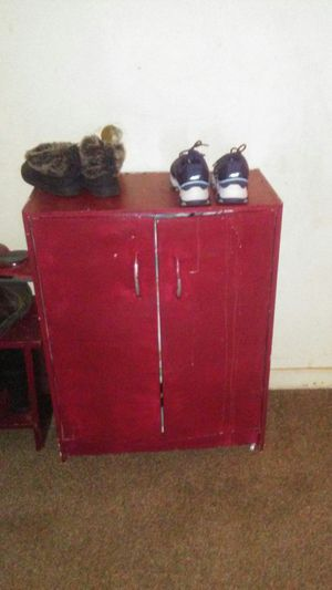 Red shelf small stand and pic for Sale in Fresno, CA