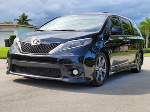 Toyota Sienna for Sale in Hollywood, FL