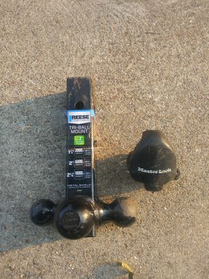 Three way trailer hitch and master trailer lock for Sale in Madison, IL