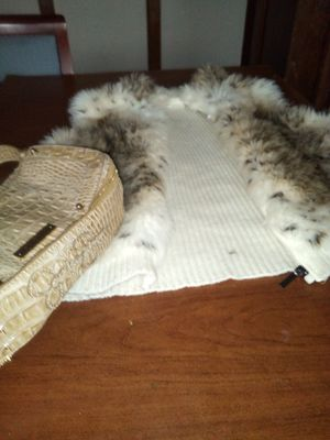 Fur vest /w leather hand purse for Sale in Milwaukee, WI