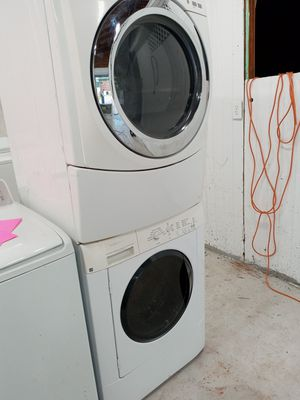 Pair frontload washer/dryer for Sale in Austell, GA
