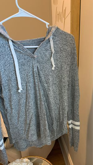 Hollister thin hoodie size xs for Sale in Hammonton, NJ