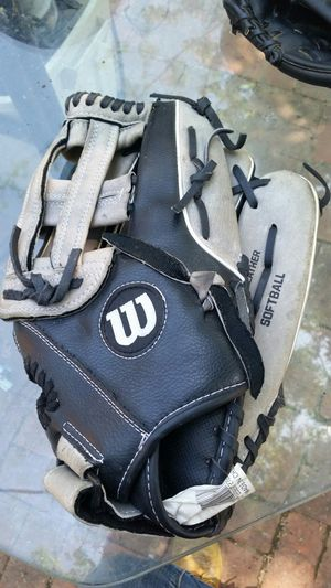 Softball gloves for Sale in Dallas, TX