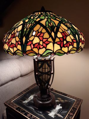 Tiffany Antique Stained Glass Lamp, Floral for Sale in Los Angeles, CA