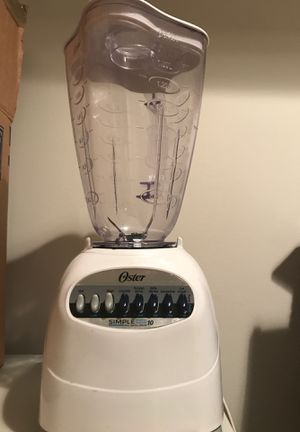 Oaster Classic Series White Blender for Sale in Chantilly, VA
