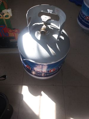 Free propane gas tanks 2 for Sale in Riverdale, MD