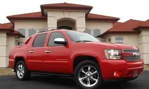 Everything.Works 2008 Chevrolet Avalanche Needs.Nothing FWDWheelss for Sale in Anaheim, CA