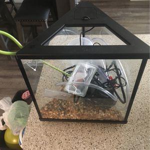 3-Gallon Fish Tank for Sale in Carmichael, CA