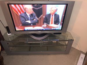 Plasma tv with table for Sale in Los Angeles, CA