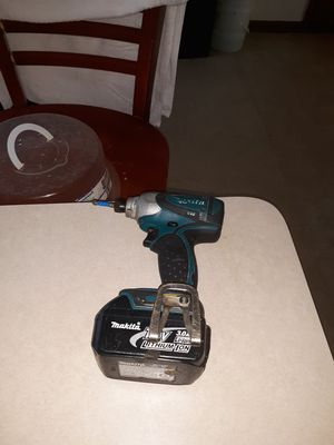 Makita drill an charger for Sale in Alsip, IL