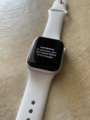 Apple Watch Series 4 | Silver | 40mm for Sale in Plantation, FL