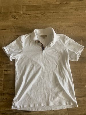 Burberry XL white for Sale in Tracy, CA