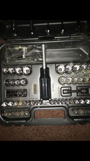 56 piece of wrench and bolt for Sale in Hyattsville, MD