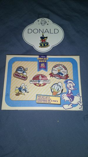 Disney Donald Anniversary Pins Limited Edition for Sale in Houston, TX