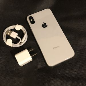 256Gb Silver iPhone X - Factory Unlocked. for Sale in Brooklyn, NY