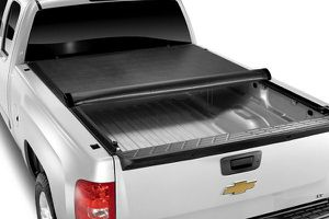tonneau cover model # LR 1045 for Sale in Ontario, CA