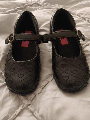 Girl dress shoes kids size 9 for Sale in Menifee, CA
