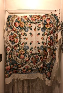 BEAUTIFUL! WOOL FLORAL CHALLIS(SHAWL)-AS IS for Sale in Fort Washington,  MD