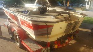 Bass Boat (Aluminum, extra long/light) for Sale in Fort Worth, TX