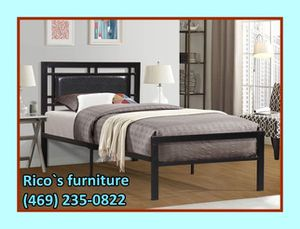 New twin bed with matresses for for Sale in Mesquite, TX