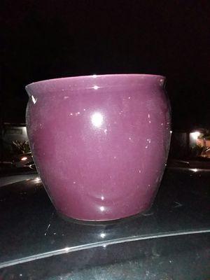 Nice soft purple ceramic pot for Sale in Miami, FL