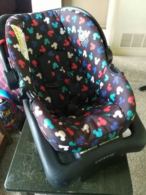 Newborn Carseat for Sale in Lancaster, OH