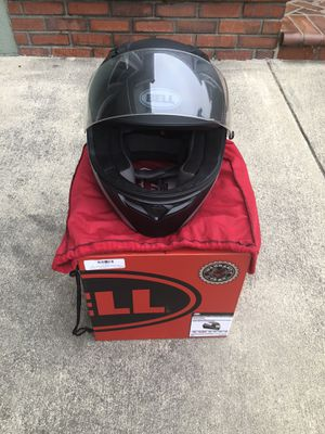 Motorcycle Bell Qualifier Helmet - Size M for Sale in Whittier, CA