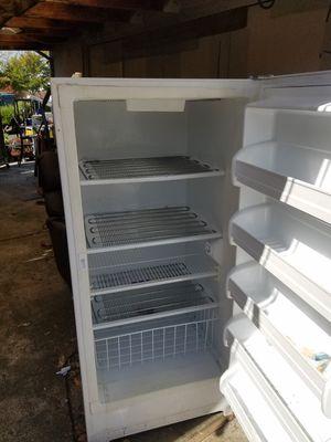 GE Deep freezer for Sale in Martinez, CA