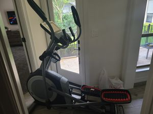 NordicTrack The Commercial 12.9 Elliptical for Sale in San Antonio, TX