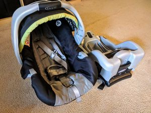 Graco SnugRide 30 Car Seat for Sale in Bellevue, WA