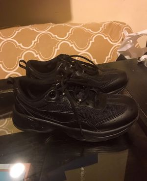 $20 Puma shoes worn only one time , too big for me size 9 for Sale in Oakland, CA