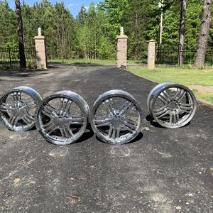 Toyota Camery 17 Inch Rims Chrome for Sale in Lake Park, NC