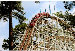 Six flags Arlington season passes with free parking for Sale in Fort Worth, TX