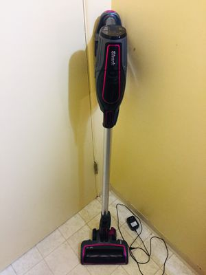 Shark Cordless Vacuum Cleaner for Sale in Tacoma, WA