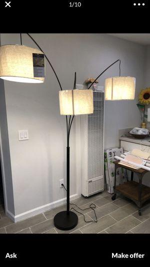 ADEESO floor lamp for Sale in Los Angeles, CA