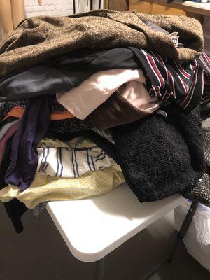 A LOT of Women's XL Clothes for Sale in Sun City, AZ
