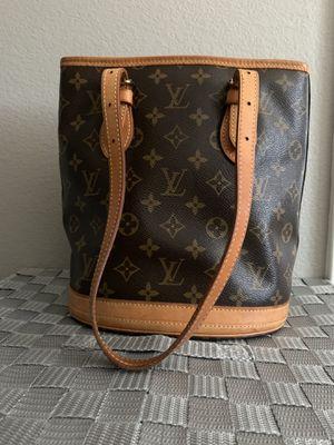 AUTHENTIC Louis Vuitton Monogram Petit Bucket for Sale in Menifee, CA