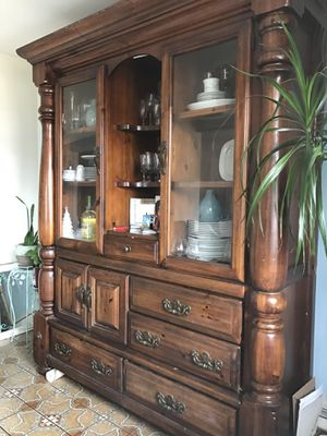 Vintage China Cabinet w/ Dining Table for Sale in Bloomfield, NJ